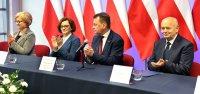 Minister Mariusz Błaszczak wMorawicy gratulował nabycia praw miejskich