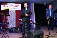 Janusz Radek zachwycił zokazji Dnia Kobiet wMorawicy